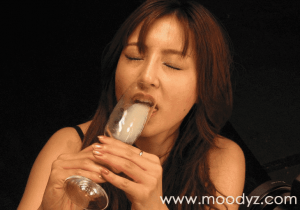 「鈴木麻奈美 精子飲む。」グラスザーメン飲み