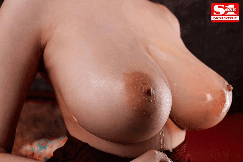「最高射精 神の乳パイズリ 安齋らら」神乳アップ