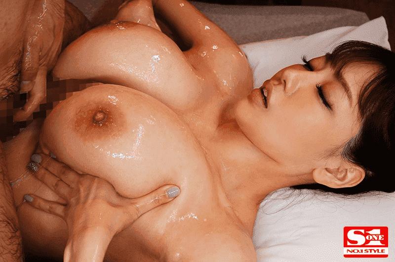 「最高射精 神の乳パイズリ 安齋らら」ローテーションパイズリ