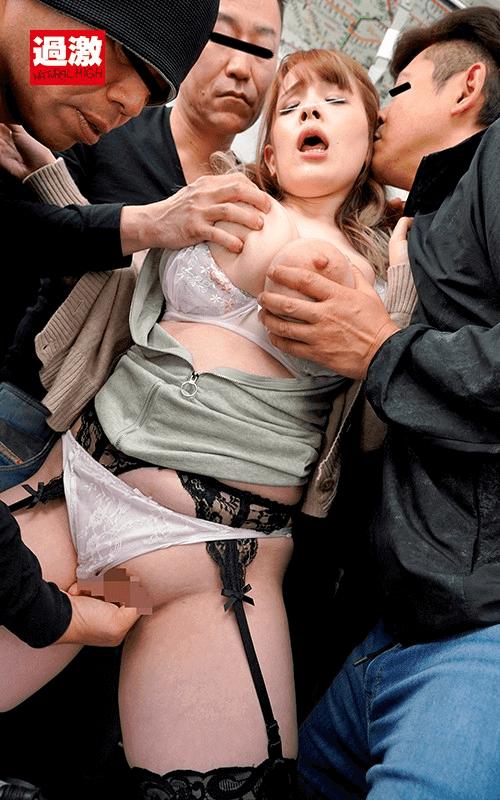 「痴●されてもしょうがないムチムチワンピースで満員電車に乗り込み触られて喜ぶ変態女」西村ニーナの乱交