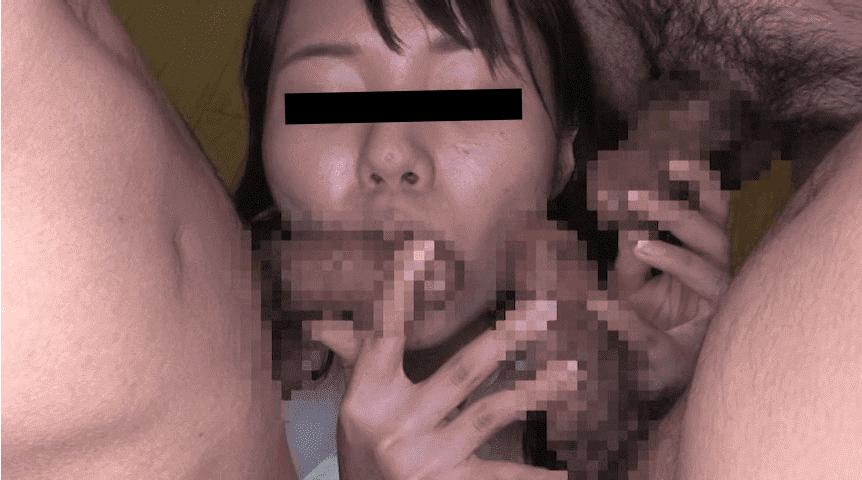 「フェラ散歩 SNSで知り合ったひとみちゃん 21歳」3本同時フェラ