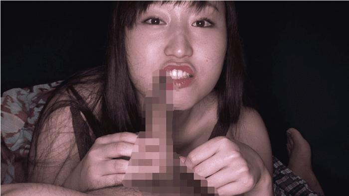 「丸呑み!14 強吸引喉締めの女!小川ひまり」仮性包茎の皮を咬んで引っ張る小川ほまり