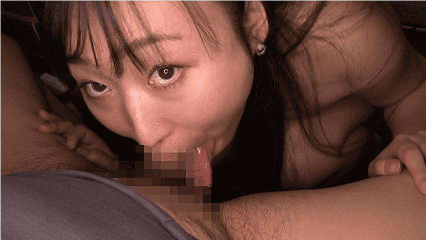 「丸呑み!14 強吸引喉締めの女!小川ひまり」ディープスロート中に舌を出す小川ひまり2