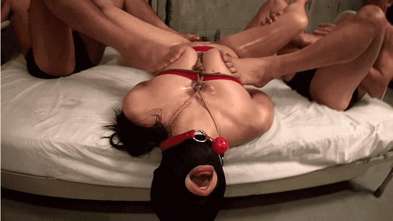 「素人マスク性欲処理マゾメス 6」足でいじられエクスタシーを感じる女